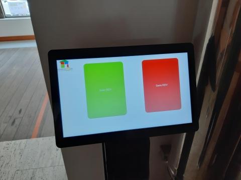 Un système de gestion de files d'attente pour la société bruxelloise de logements sociaux, Foyer du Sud - Expansion TV
